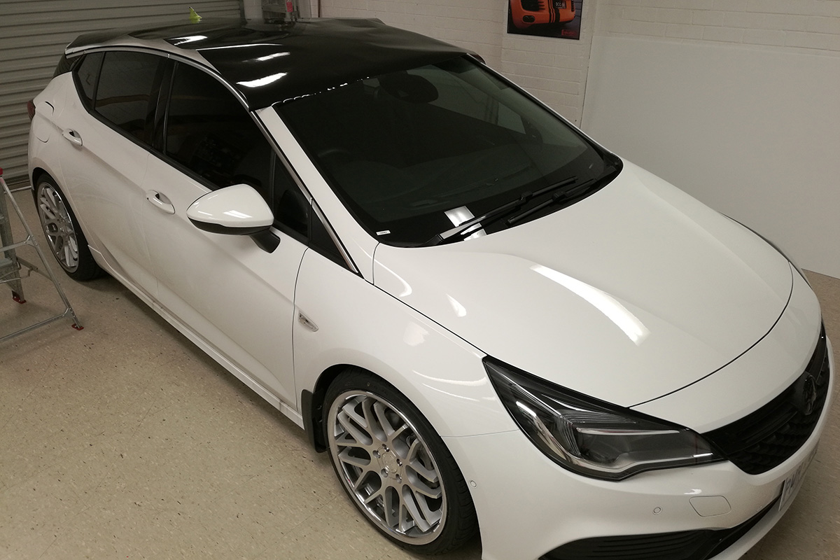 Holden Astra Gloss Black Roof Wrap Vinyl Wrap Car
